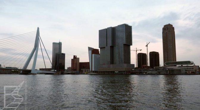 Widok na City w Rotterdamie
