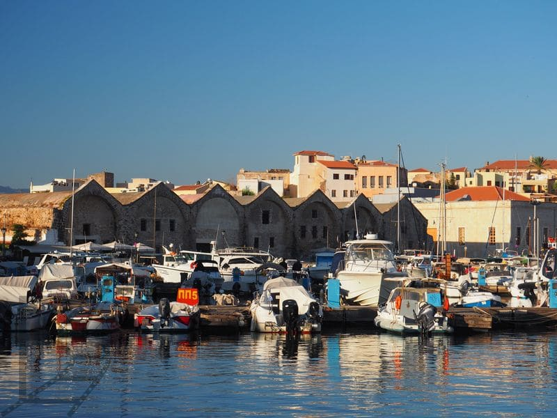 Port (w tle Wenecka Neoria)