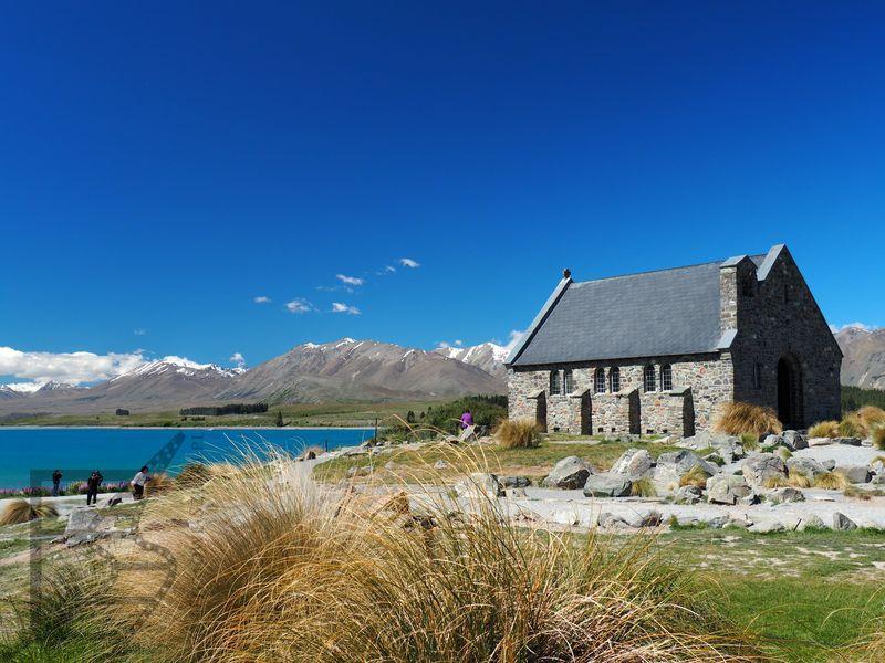 Jezioro Tekapo i kościół Dobrego Pasterza