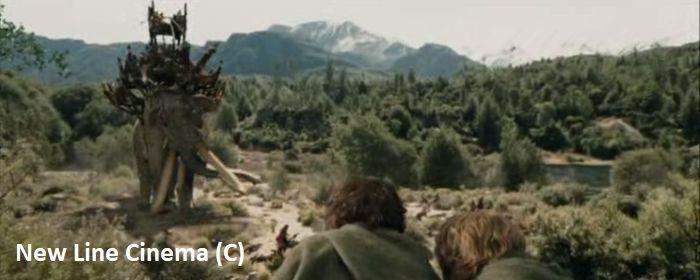 """Okolice Queenstown, tak zwany obóz Faramira i jego okolice w filmie """"Władca Pierścieni: Dwie wieże"""" wykorzystano w kilku scenach. W tym gotowania z Gollumem, czy oglądania olifantów."""