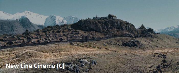 """Hakatere Conservation Park we """"Władcy Pierścieni"""" zagrało Rohan. Na górze Sunday zbudowano Edoras."""