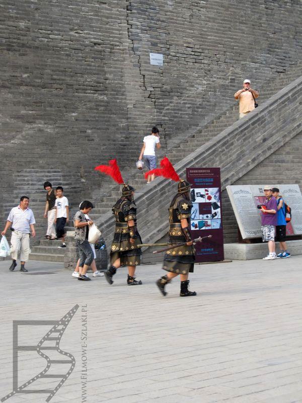 W Starym Mieście można zrobić sobie zdjęcia z dawnymi wojownikami