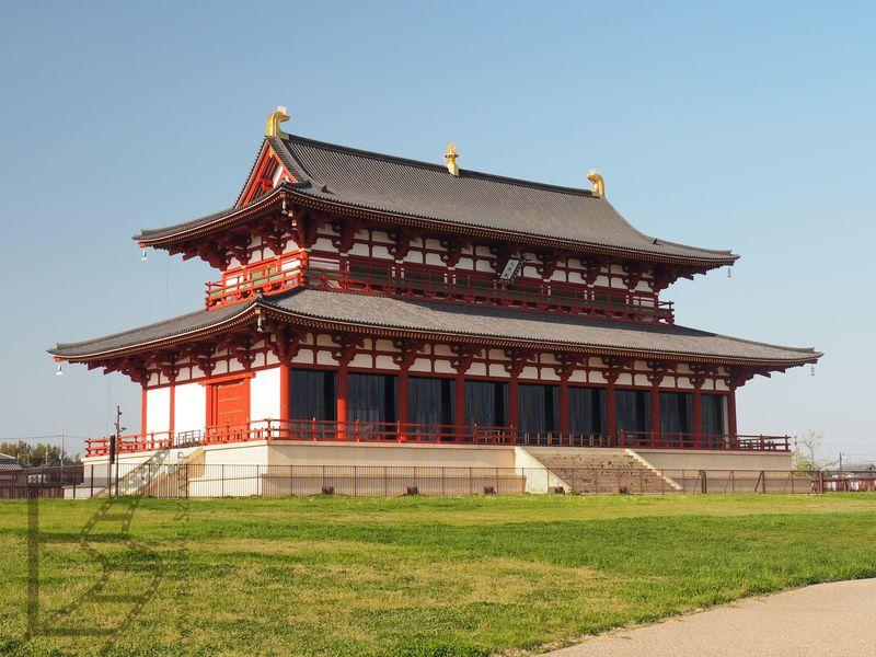 Rekonstrukcja pałacu cesarskiego w Narze