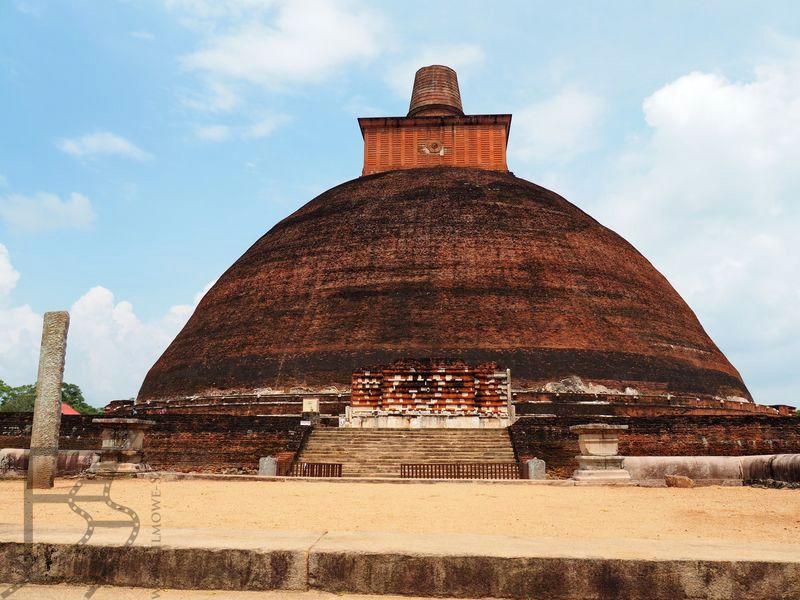 Dagoba Jethawanaramay była swego czasu jedną z najwyższych budowli na świecie