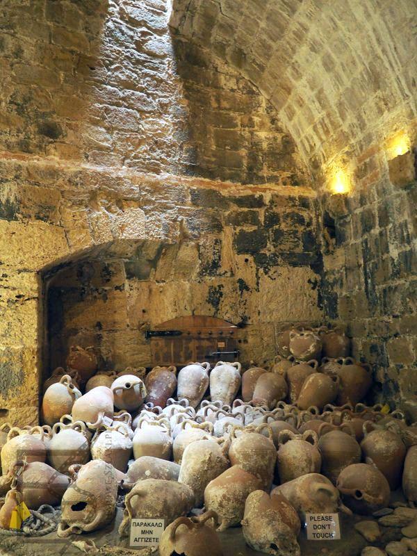 Wnętrze fortecy Roca a Mare (Heraklion)
