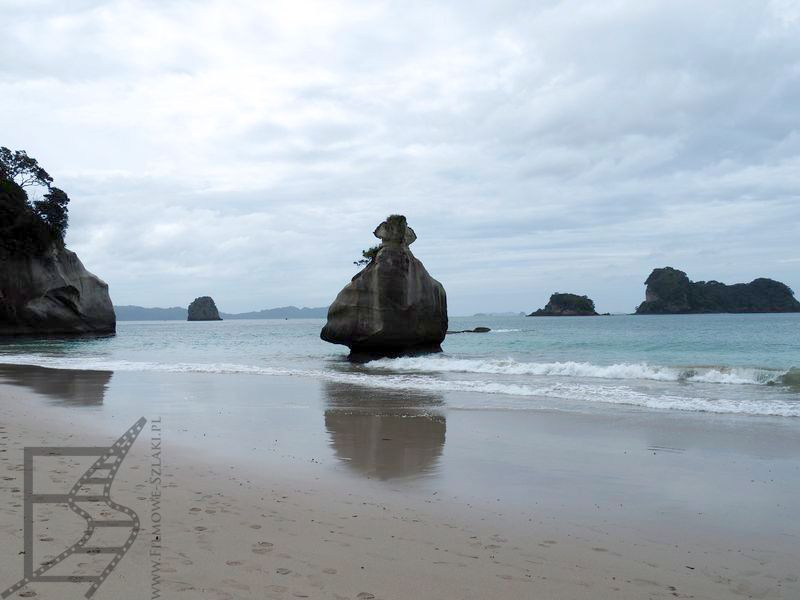 Sama plaża w tym miejscu jest stosunkowo niewielka