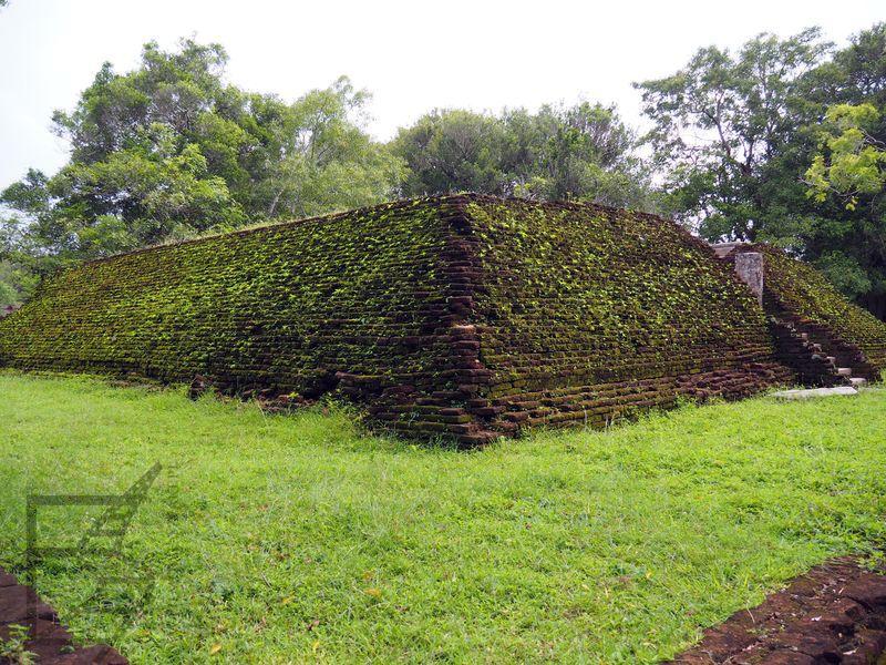 Pozostałości pałacu w Anuradhapurze