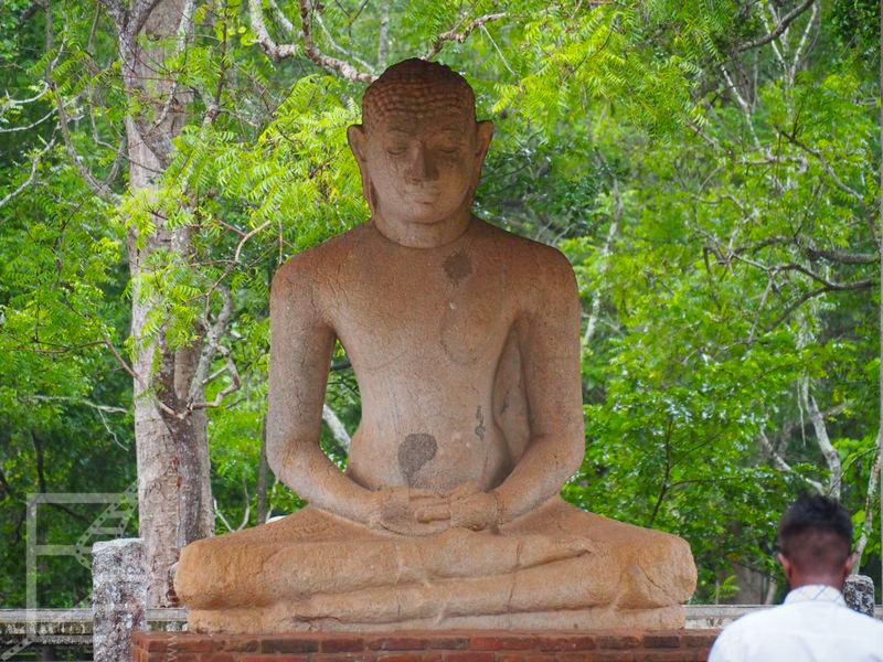 Posąg Buddy, Anuradhapura