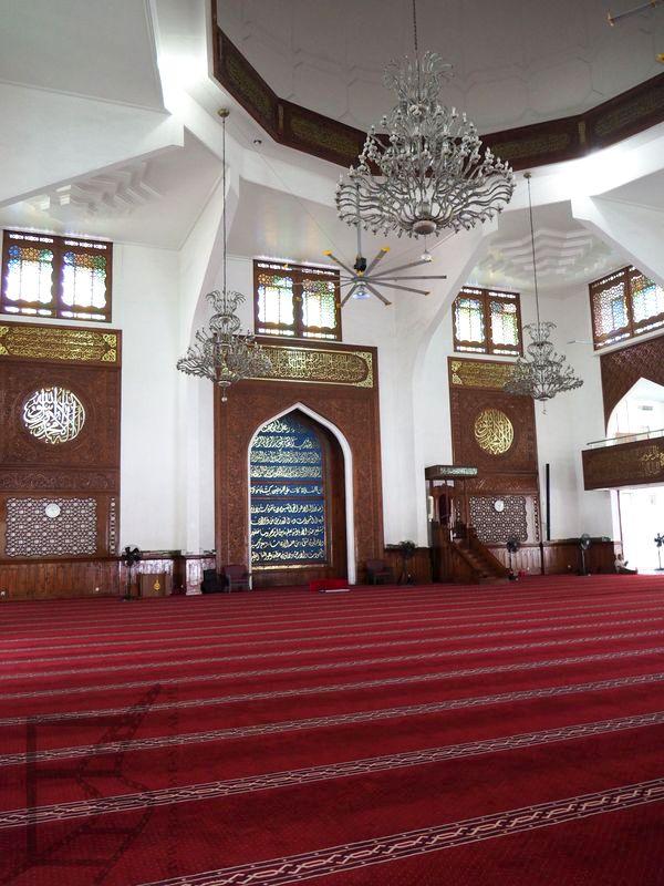 Wnętrza Wielkiego Meczetu w Male