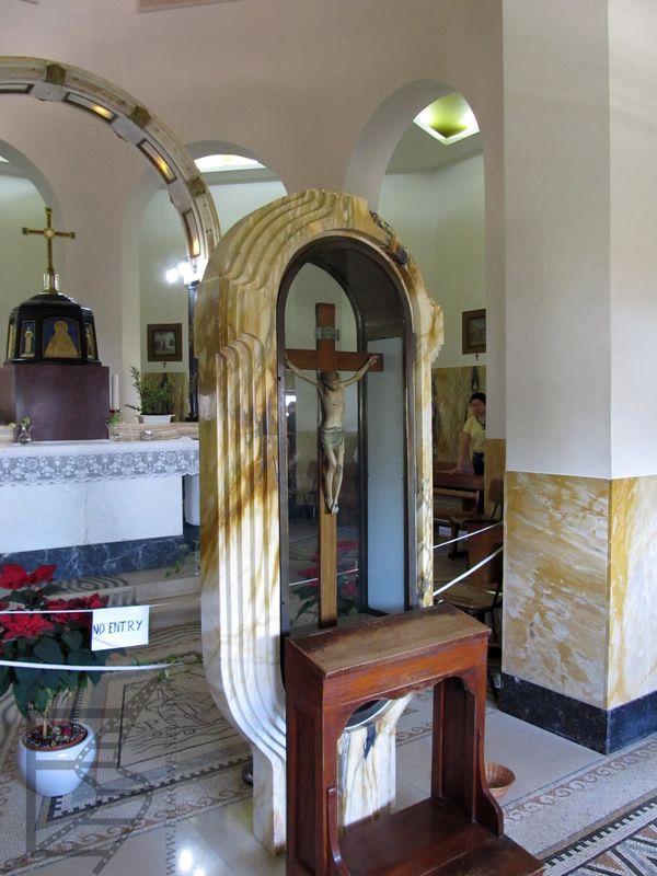 Wnętrze sanktuarium Ośmiu Błogosławieństw