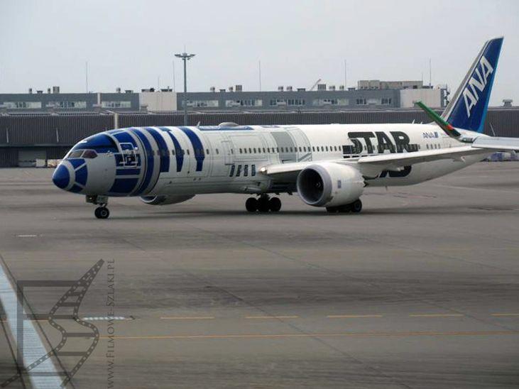 Samolot All Nippon Airways (ANA) pomalowany na R2-D2 w Tokio
