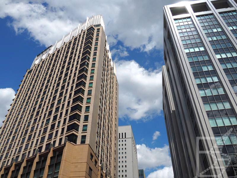 Wieżowce w dzielnicy Ginza