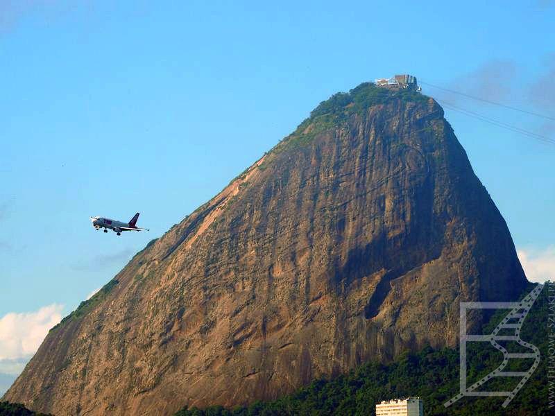 Samolot linii LATAM, Rio de Janeiro.  Lot wewnętrzny w Brazylii, RE 261/2004 nie działa.