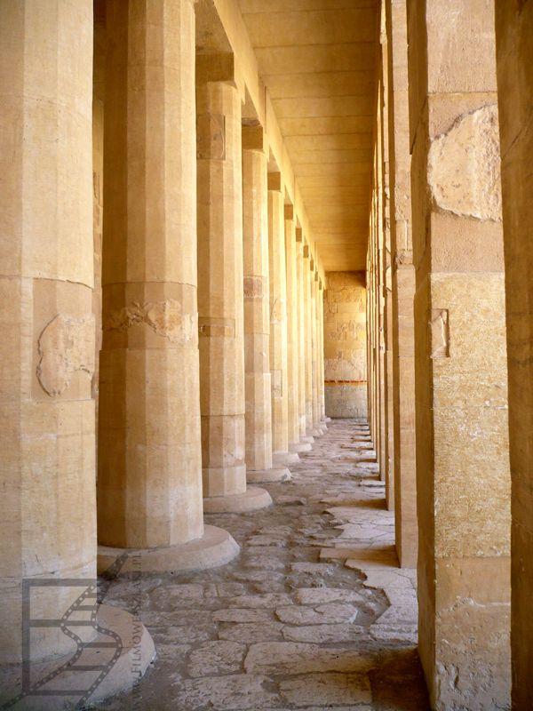 Kolumny w świątyni Hatszepsut