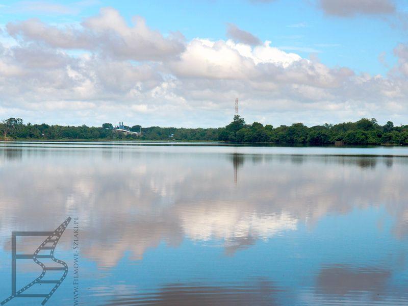 Sztuczne jezioro Parakrama Samudra