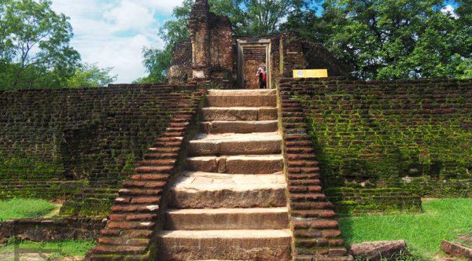 Polonnaruwa, starożytna stolica Cejlonu, pośród dżungli