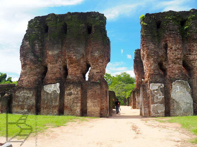 Brama pałacu, Polonnaruwa