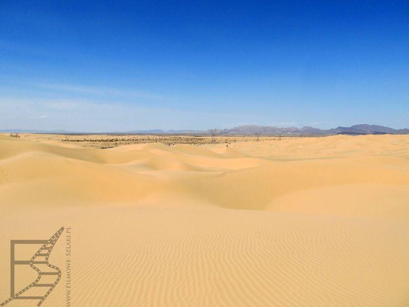 Pustynia Yuma, za nią znajduje się granica z Meksykiem