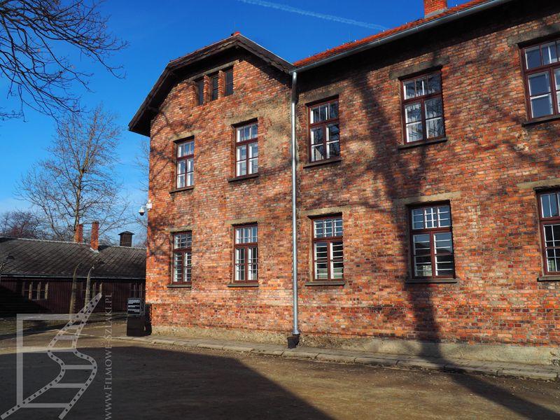 Pierwsze budynki więzienne i gospodarcze w Auschwitz