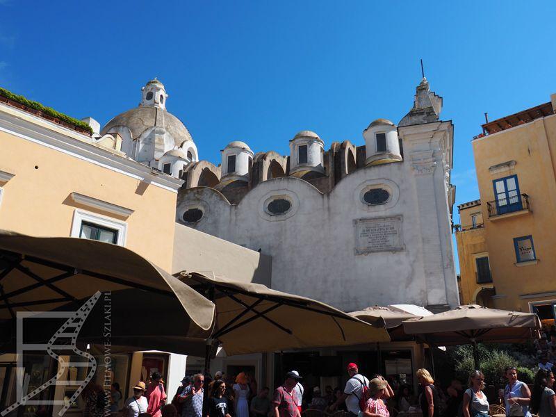 Okolice Piazzetta w Capri