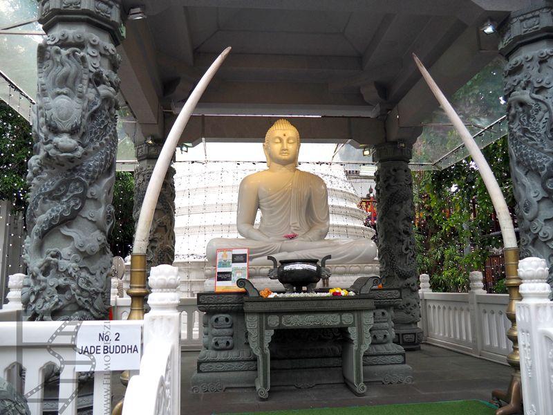 W świątyni Gangaramaya jest mnóstwo eksponatów