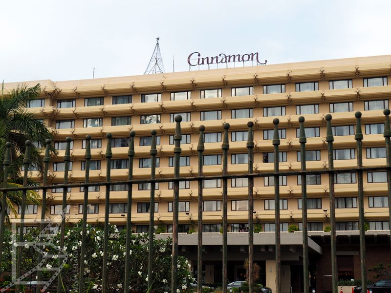 Hotel Cinnamon ucierpiał podczas zamachów w 2019