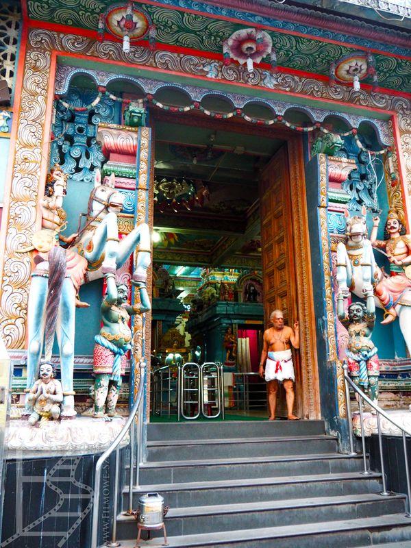 Wejście do świątyni Sammangodu Sri Kathirvelayutha Swamy Kovil
