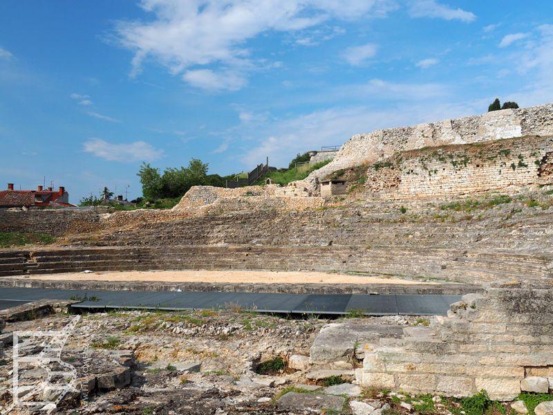 Teatr Rzymski (lub mały amfiteatr)