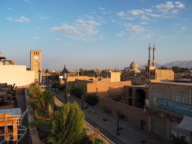 Jazd widziany z dachu restauracji przy Meczecie Piątkowym