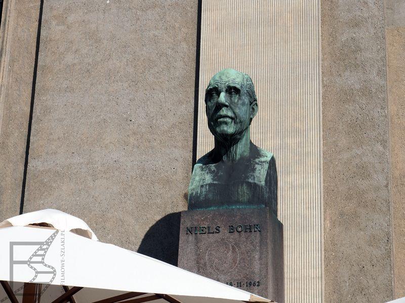 Popiersie Nielsa Bohra