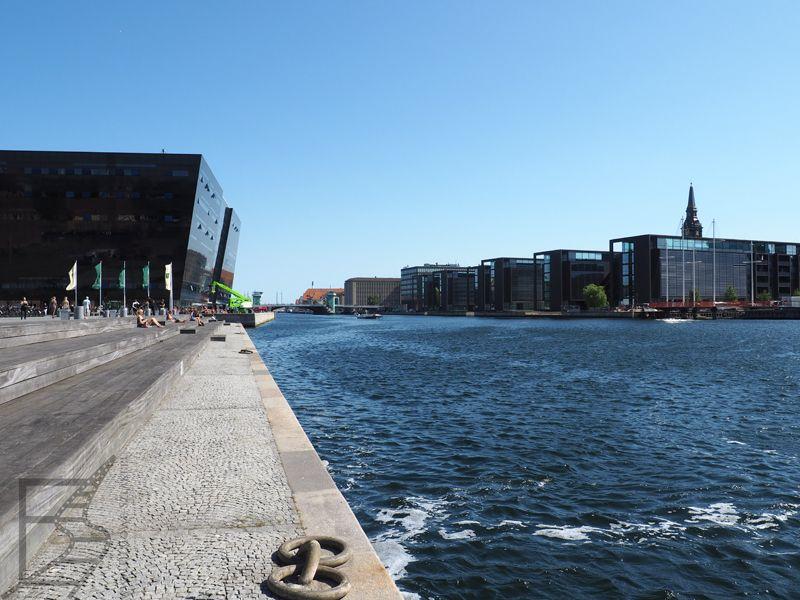 Kopenhaga - kanał i królewska biblioteka