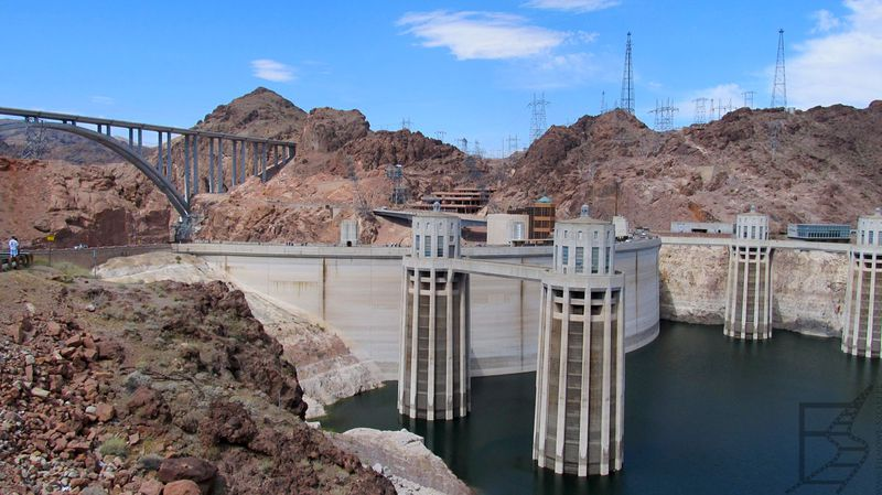 Zapora Hoovera (USA, granica stanów Nevada i Arizona)