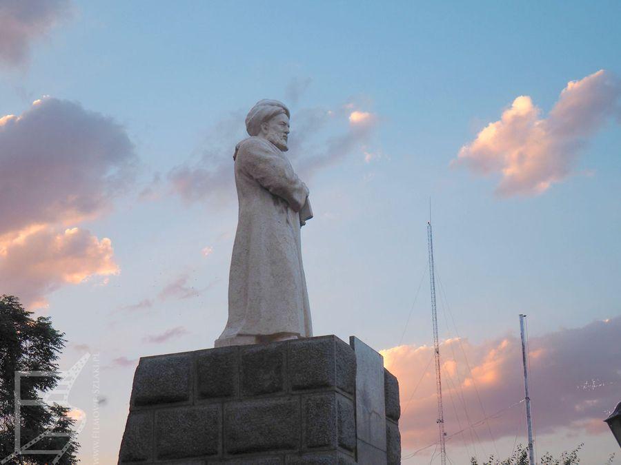 Hamadan: Pomnik Awicenny