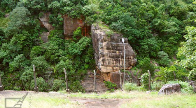 Kandy, święte miasto buddyzmu, Świątynia Zęba, Zagłady i Indiana Jones