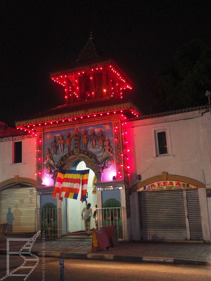 Oświetlenie świątyni w Kandy