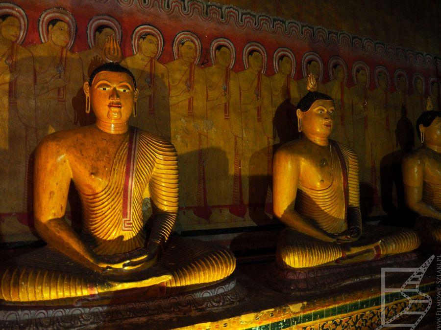 Posągi w jaskini (Dambulla)