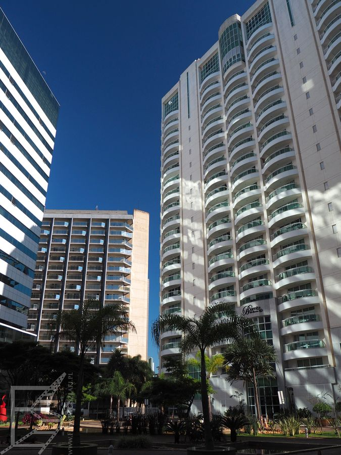 Hotele i wieżowce w Brasilii