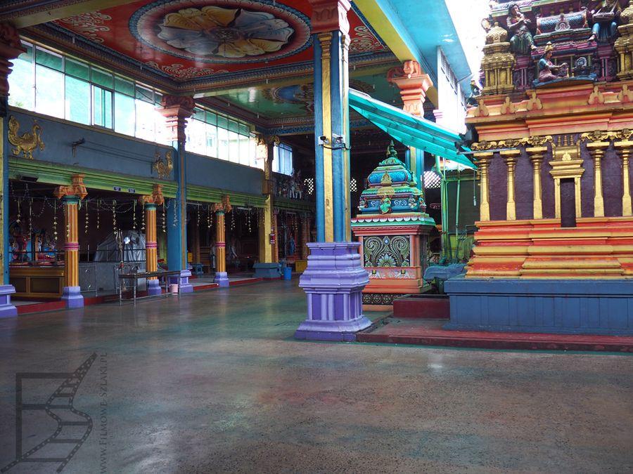 Wnętrza świątyni Sri Muthumariamman