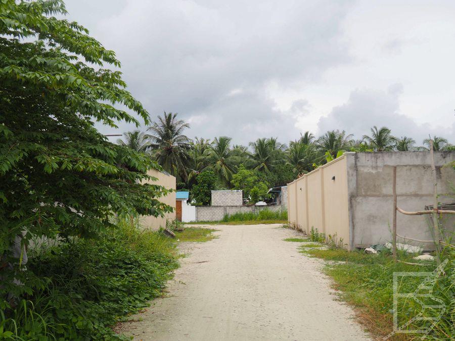 Okolica za hotelem, wyspa Gan