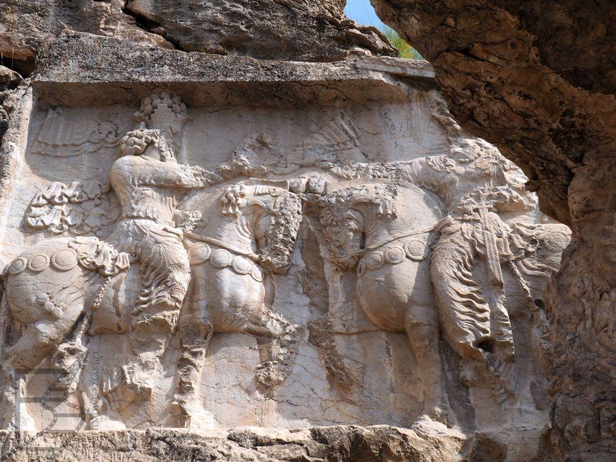 Jeden z reliefów w Naqsh-e Rajab