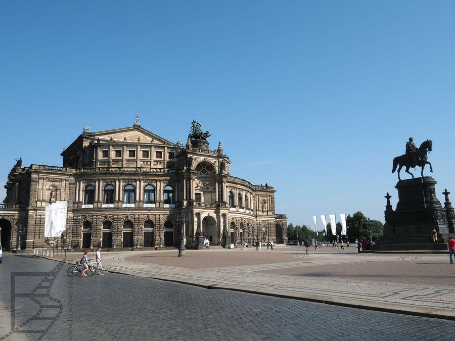 Opera w Dreznie i pomnik króla Jana Wettyna