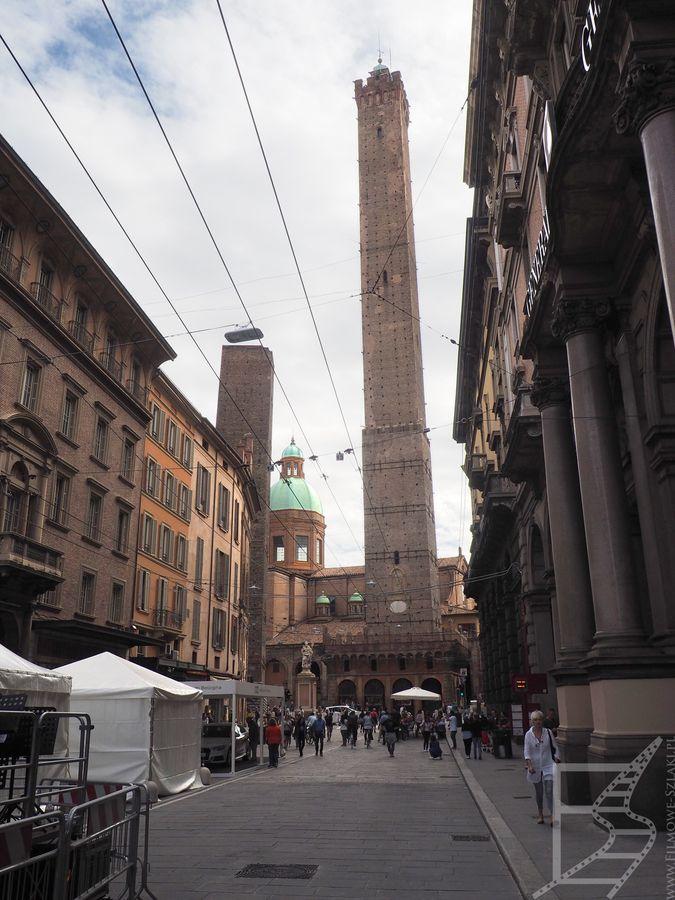 Widok na bolońskie dwie wieże