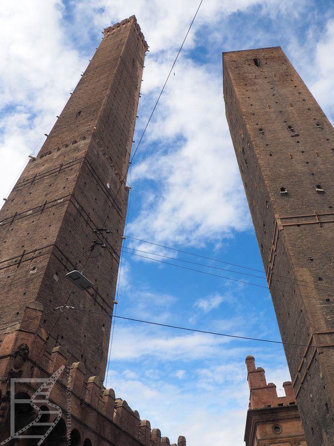 Dwie wieże (Bolonia)