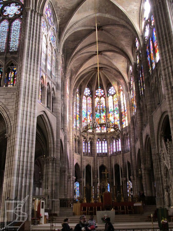Gotyckie wnętrze bazyliki