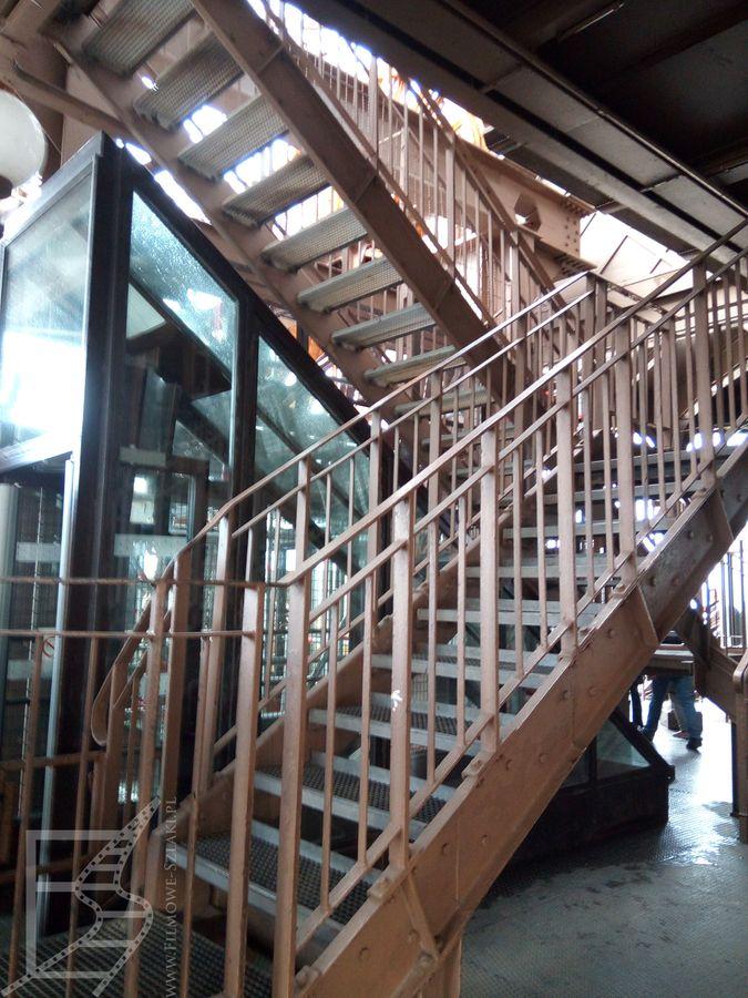Schody na wieży Eiffle'a