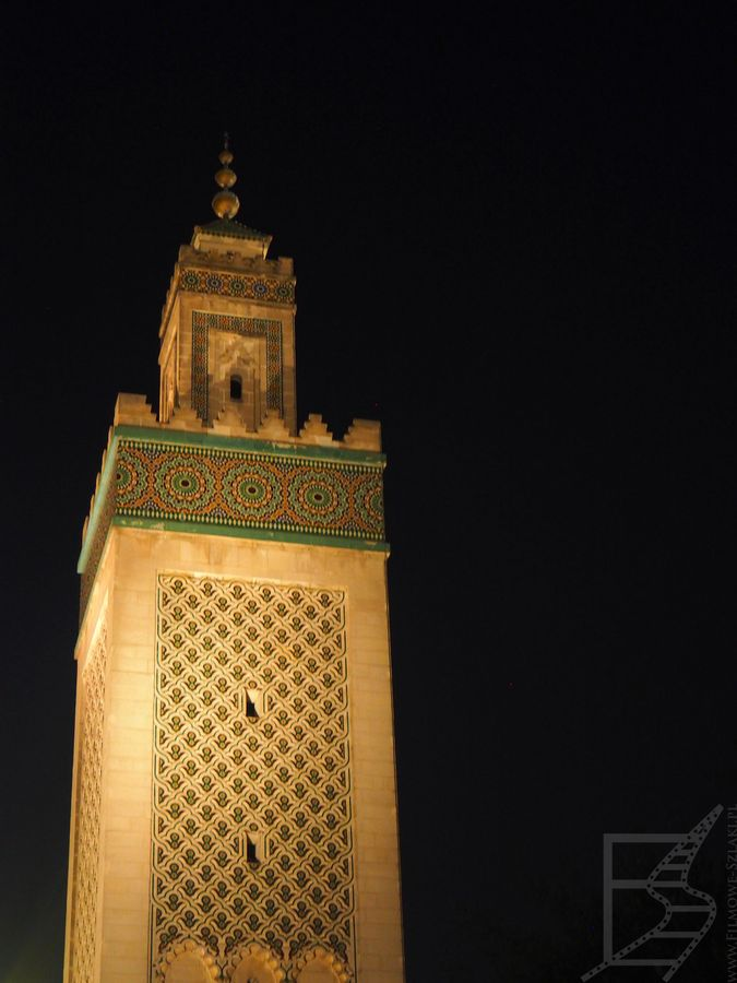 Wielki Meczet w Paryżu, z minaretem w stylu marokańskim
