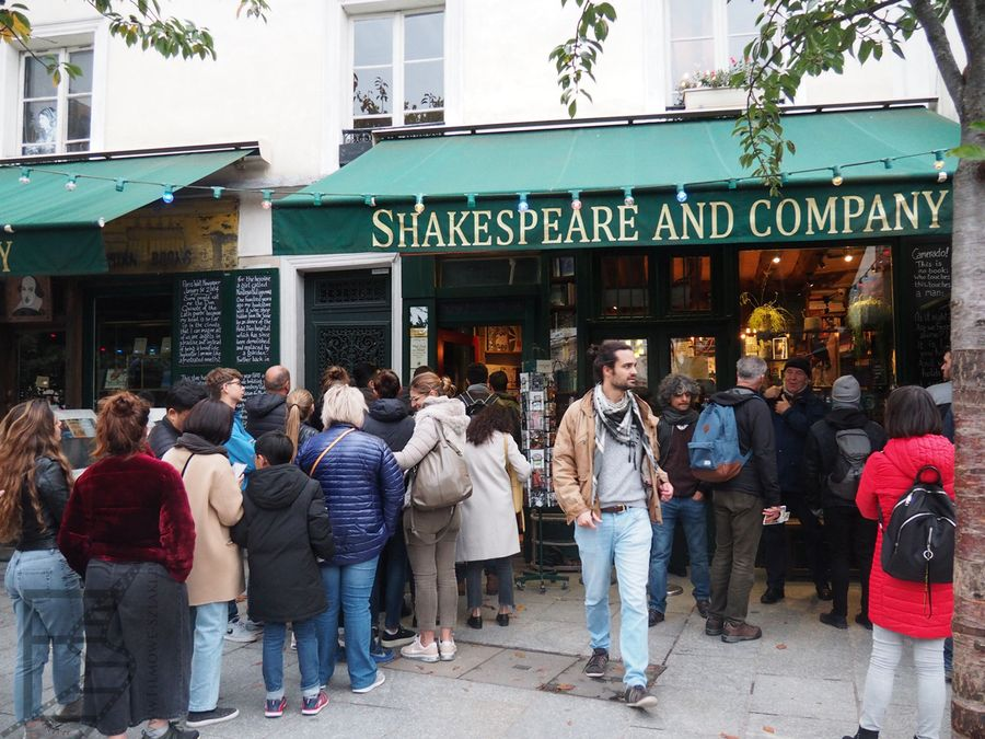 """Shakespeare & Company"""