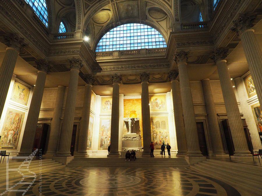 Wnętrza paryskiego Panteonu