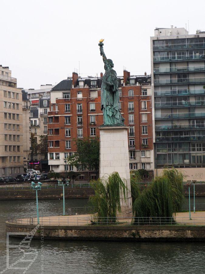 Statua Wolności na wyspie łąbędziej