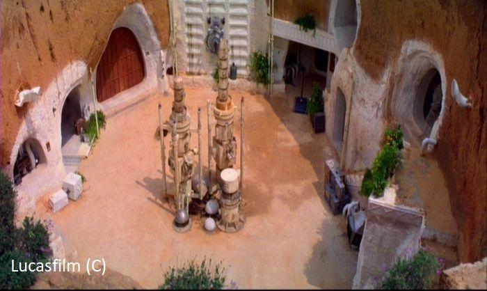 """""""Gwiezdne Wojny Część IV Nowa nadzieja"""", hotel Sidi Driss widziany z góry (domostwo Larsów na Tatooine)"""